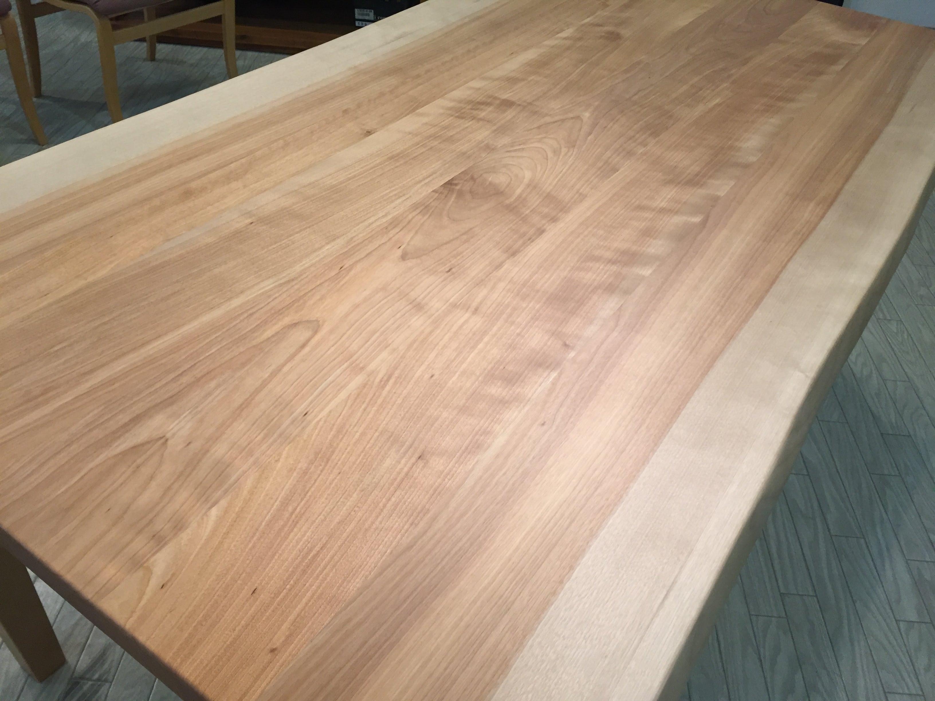 カバ桜無垢板ダイニングテーブル