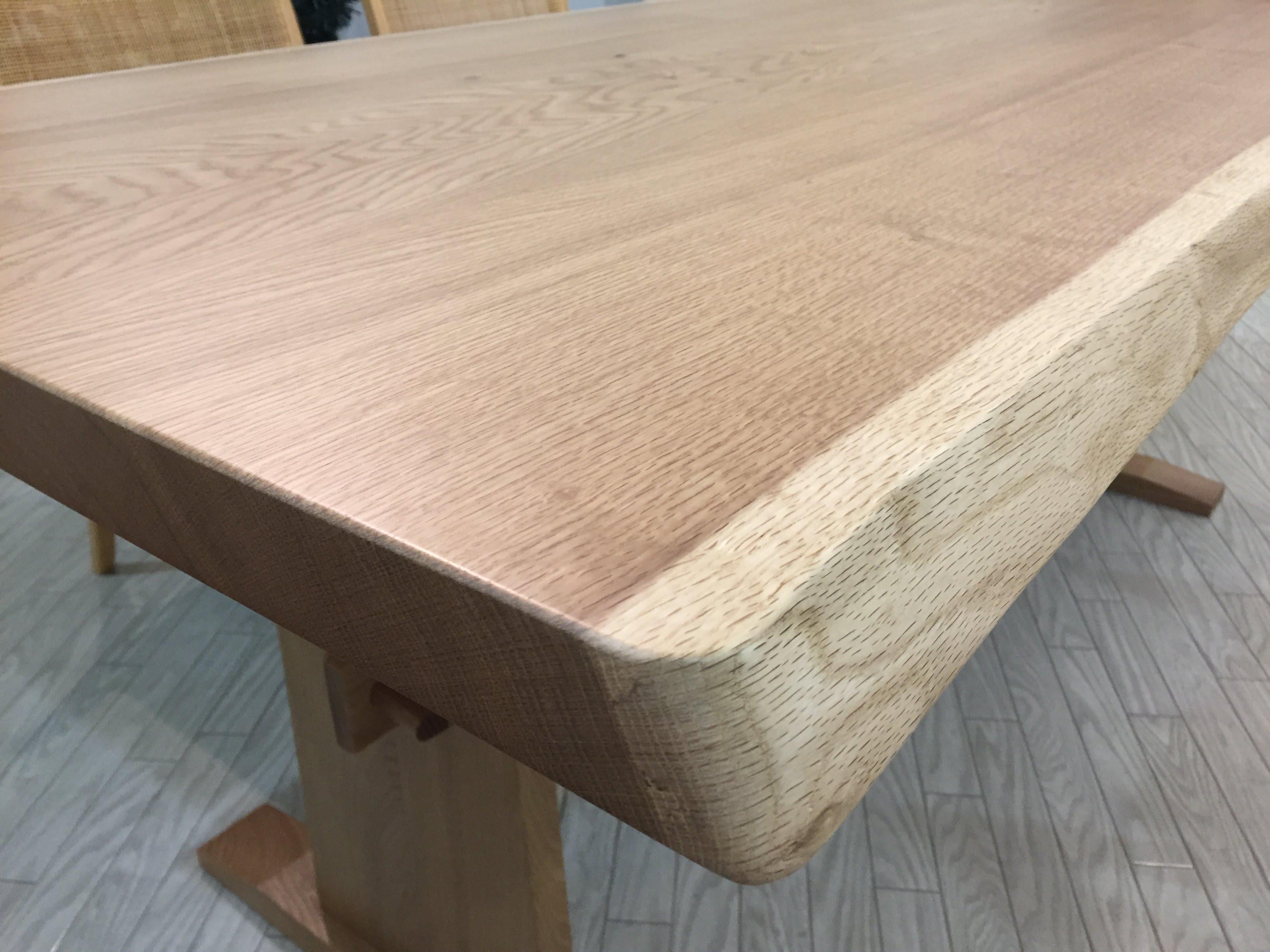ミズナラ無垢板ダイニングテーブル