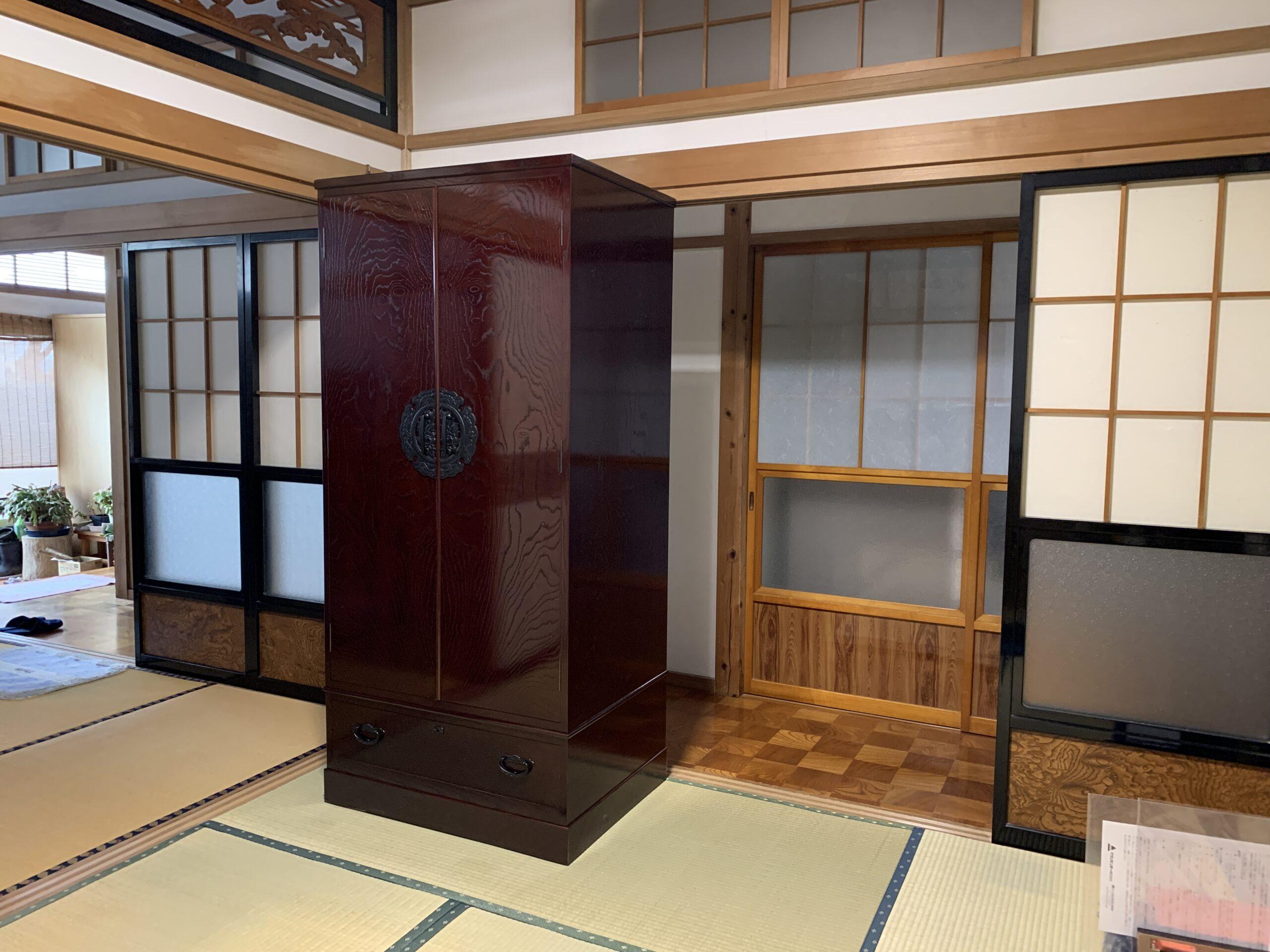 二本松伝統家具-民芸箪笥風クローゼット(洋服箪笥)