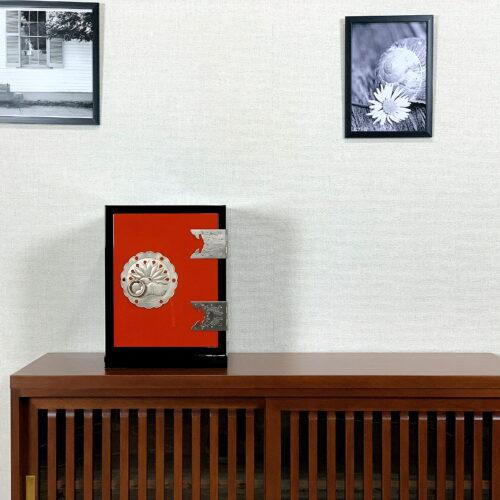 二本松伝統家具-朱塗手許箪笥 城家飾り 朱と黒
